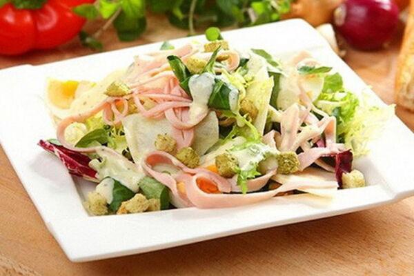 Салат з твердим сиром