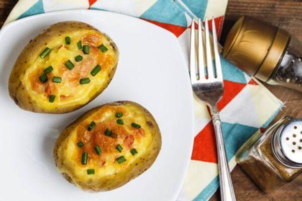 Фарширована картопля в духовці