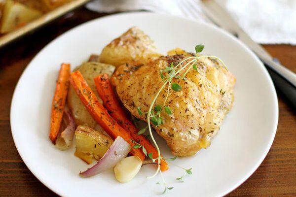Картошка с овощами  и курицей в банке