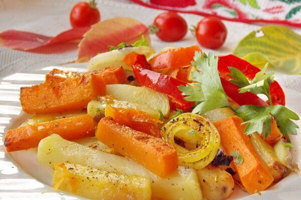 Картошка с овощами в рукаве