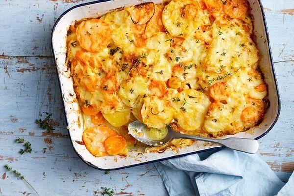 Картошка с овощами в духовке слоями