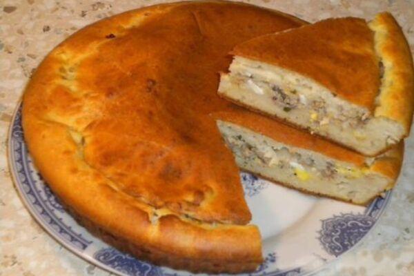 М'ясний пиріг на сметані