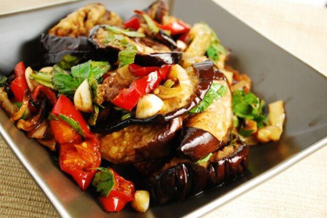 Салат с жареными баклажанами