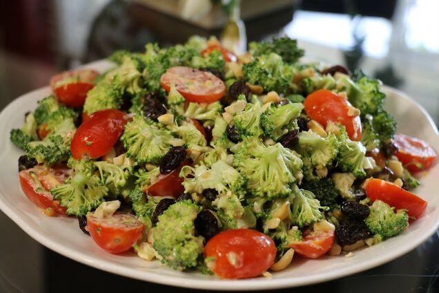 Салат із броколі