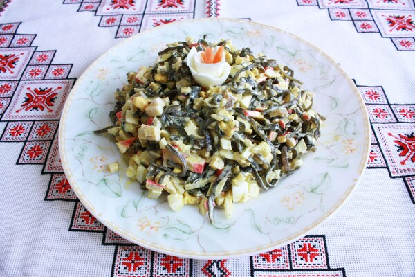 Салат из морской капусты с сельдереем