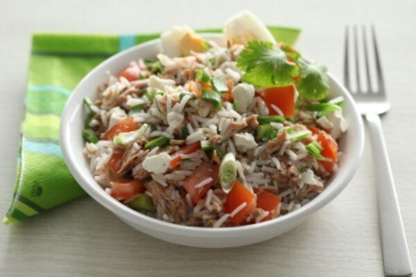 Салат із рисом і тунцем