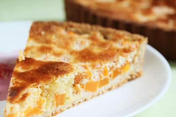 Заливной пирог с тыквой и яблоками