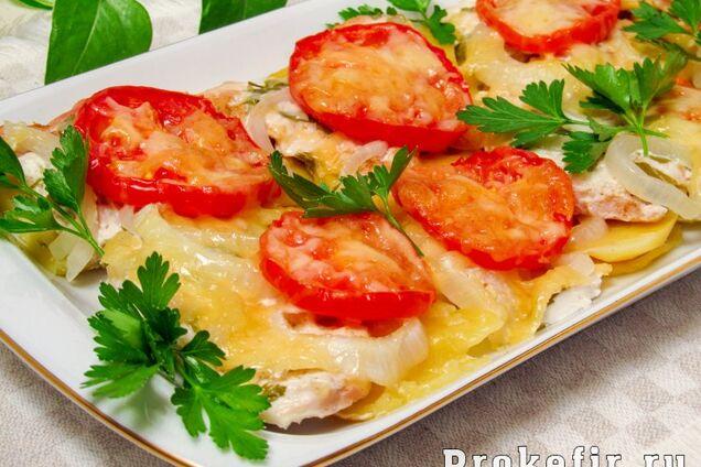М'ясо по-французьки з помідорами і грибами