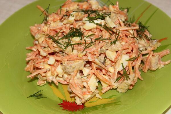 Салат ''Обжорка'' с колбасой