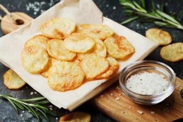 Картопляні чипси в мікрохвильовці