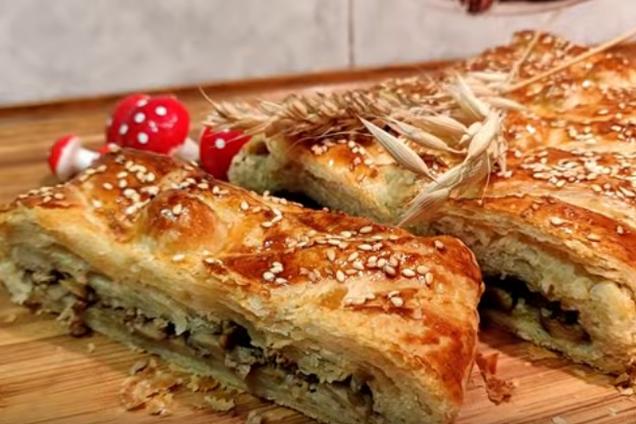 Листковий пиріг із грибами