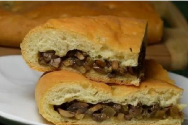 Пиріг із грибами з дріжджового тіста