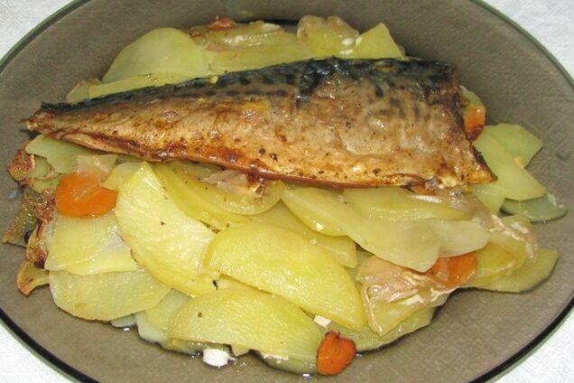 Риба з картоплею під майонезом