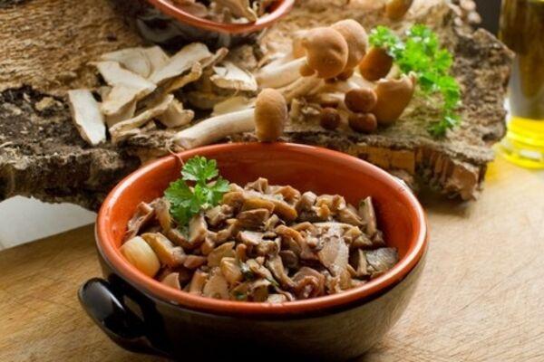 Тушковане м'ясо з грибами