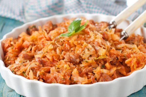 Тушковане м'ясо з квашеною капустою