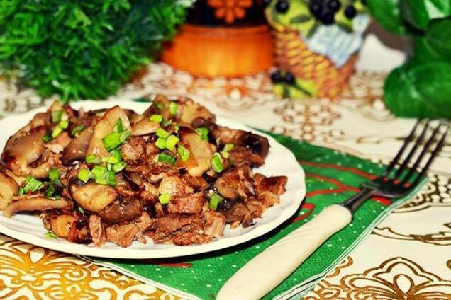 Смажене м'ясо з грибами