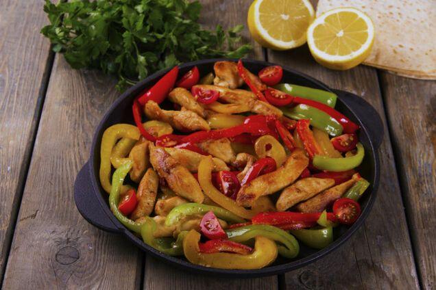 Смажене м'ясо з болгарським перцем