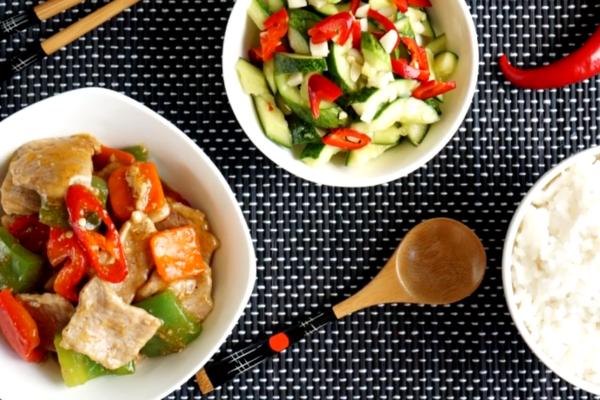 Смажена свинина з овочами по-китайськи