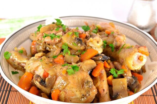 Жареная курица с грибами