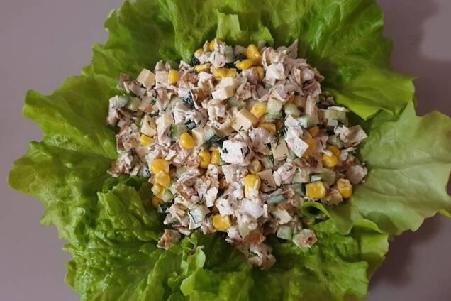 Салат із серцем і кукурудзою