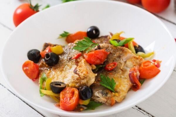 Риба з овочами в духовці