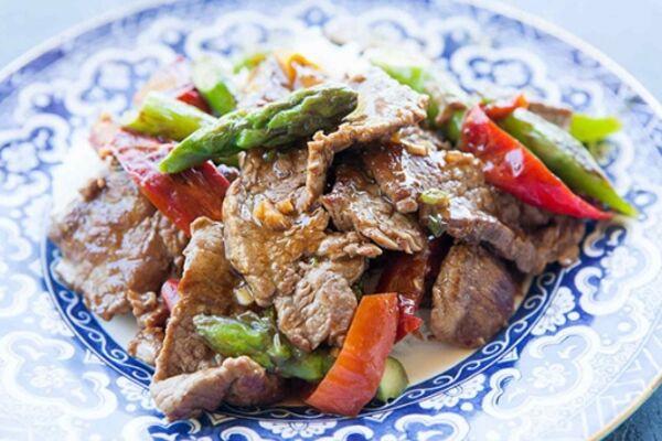 Смажена яловичина з овочами
