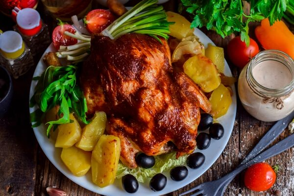 Жареная курица в мультиварке целиком