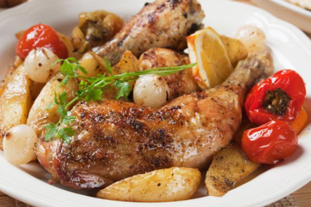 Тушеная курица с картошкой в сливках