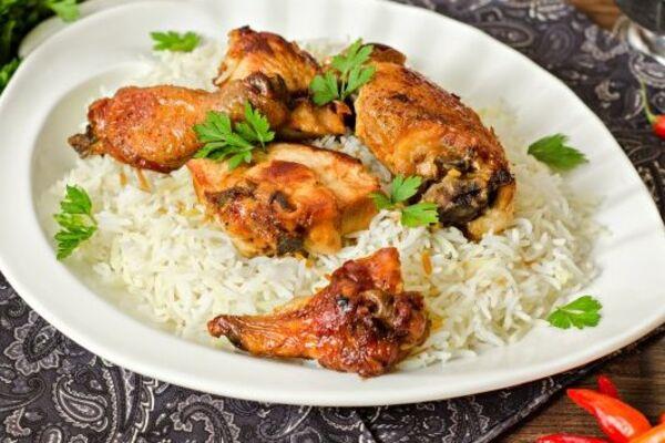 Курка в рукаві з рисом і овочами