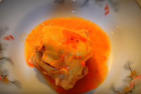 Тушеная курица в томатном соусе