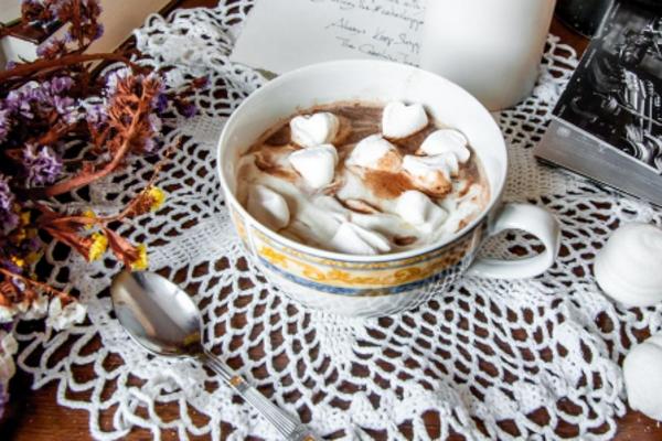 Гарячий шоколад з арахісовою пастою