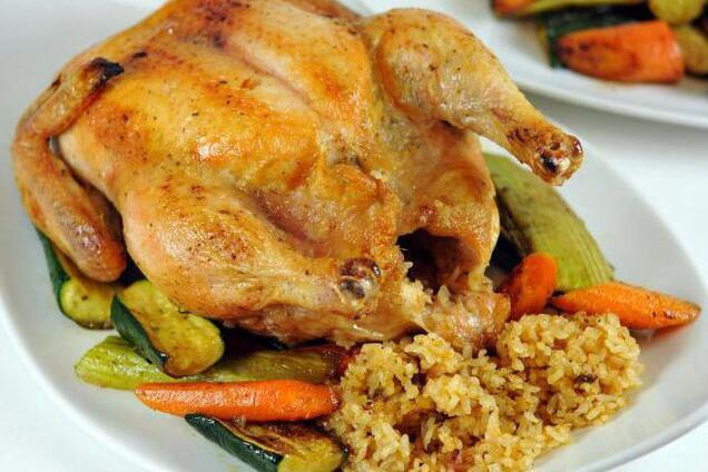 Курица, фаршированная рисом в рукаве