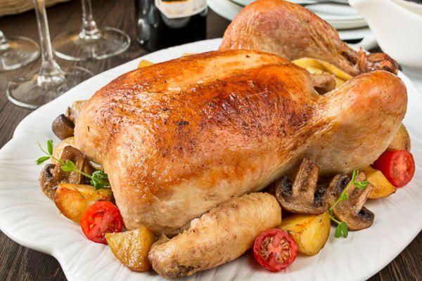 Курица, фаршированная грибами и картошкой