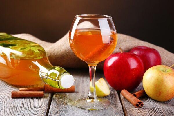 Наливка яблучно-медова