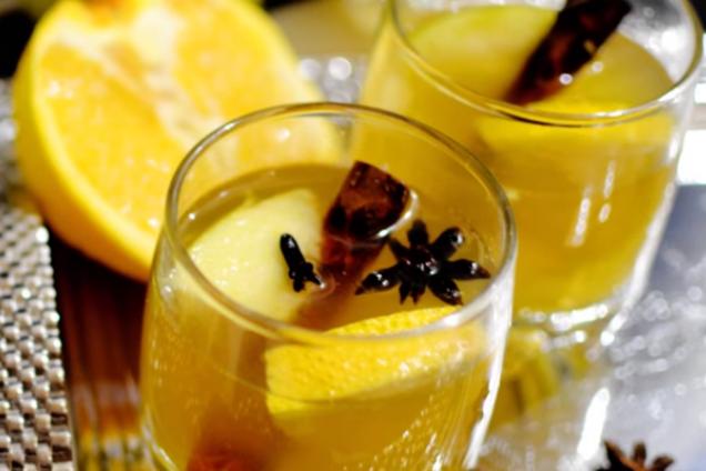 Безалкогольний глінтвейн з імбиром і кардамоном