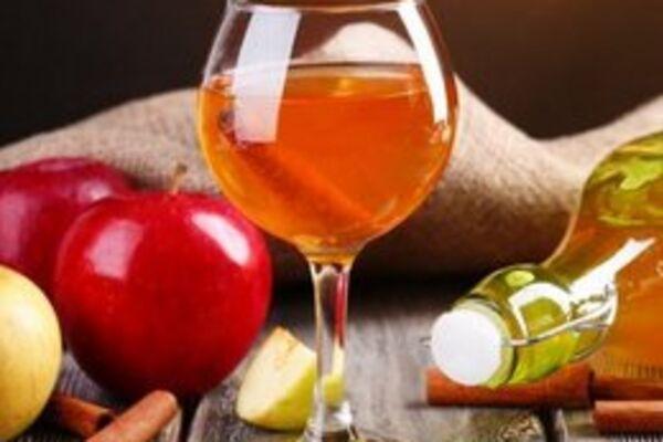 Настоянка на яблуках і кориці