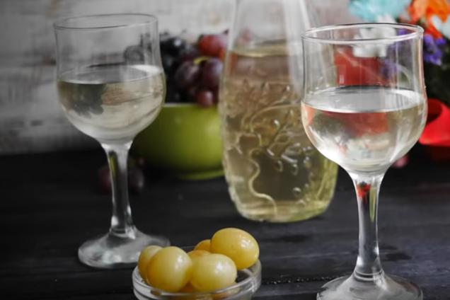 Настойка на винограде с лимоном
