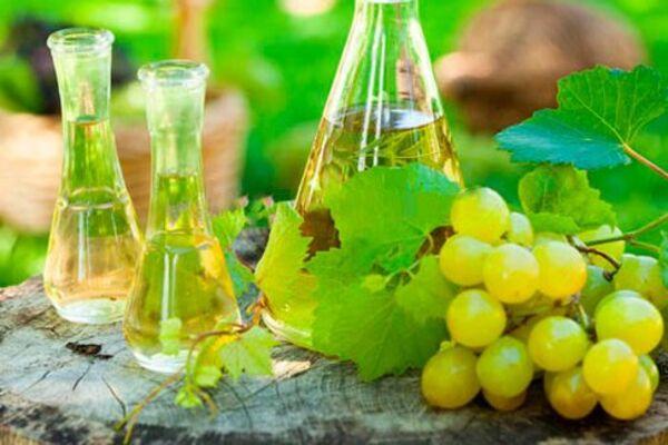 Настоянка на винограді з корицею