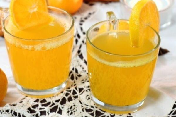 Глінтвейн з білого вина з апельсином