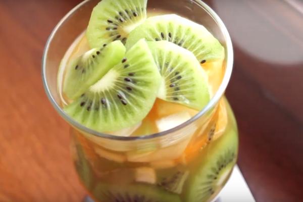 Виноградный крюшон с манго