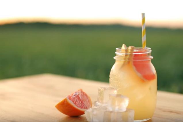 Імбирний лимонад із грейпфрутом
