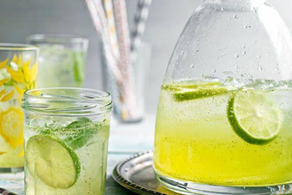 Лимонад с лаймом и базиликом