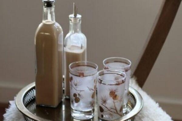 Лікер із розчинною кавою і згущеним молоком