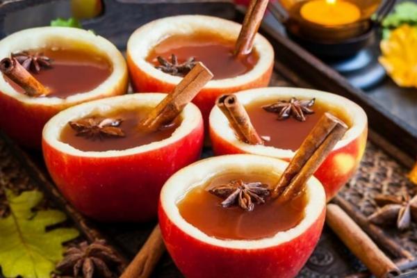 Глінтвейн із вишневим соком й апельсинами