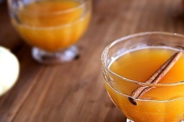 Пунш из шампанского и цитрусовых