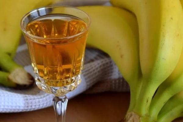 Банановый ликер классический