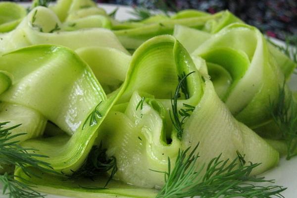 Быстрые кабачки с базиликом