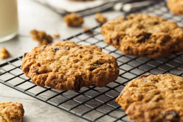 Пісне печиво з родзинками