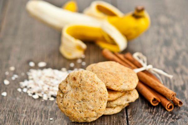 Вівсяне печиво з бананом та пластівцями