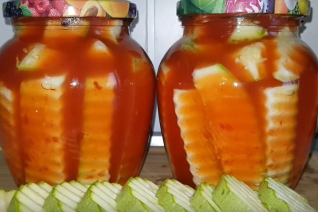 Мариновані кабачки з кетчупом
